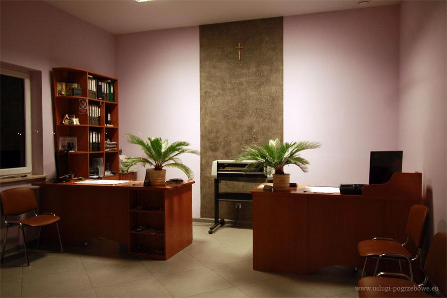 Biuro usług pogrzebowych i kamieniarskich w Dobrzelinie